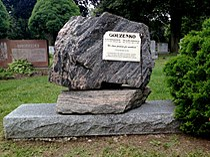 Igor Gouzenko Tombstone.JPG