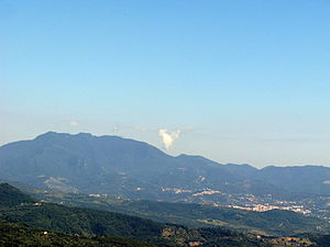 Monte Gelbison - Monte Gelbison with the towns of Vallo della Lucania and Novi Velia