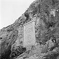 Inscriptie als gedenkplaat in de wand van het dal van de Nahr el Kelb, Bestanddeelnr 255-6439.jpg