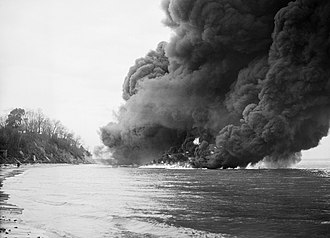 Petroleum Warfare Department - A flame barrage demonstration on the sea at Studland Bay, Dorset