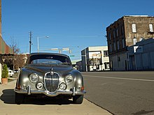 Jaguar Mk.II in Birmingham Automotive Historic District Dec 2012.jpg