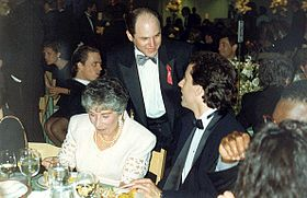 Jason Alexander (au centre, 44e Emmy Awards, 1992)