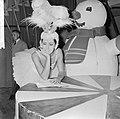 Joan Haanappel contract getekend voor platenmaatschappij Phonogram, Joan Haanapp, Bestanddeelnr 917-0038.jpg