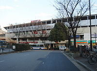Keikyu-tsurumi station.jpg