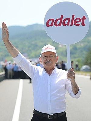 Kemal Kılıçdaroğlu - Image: Kemal Kılıçdaroğlu Adalet Yürüyüşü crop