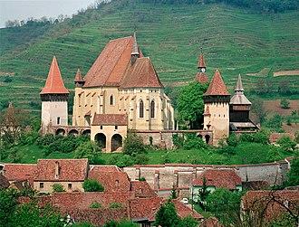 Transylvanian Saxons - Image: Kirchenburg Birthälm