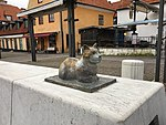 Kattprofil blir staty i visby