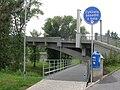 Kralupy, most T. G. Masaryka, podchozí stezka.jpg