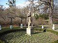 Kromeriz - Podzamecka zahrada, socha bohyne Flory.JPG