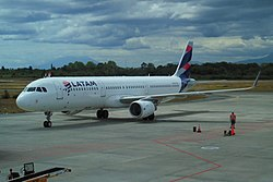 Aerocardal wikivisually latam express image latam express airbus a321 at puerto montt airport february 2017 fandeluxe Image collections