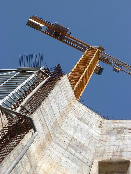 File:La Sagrada Familia (7852722646).jpg