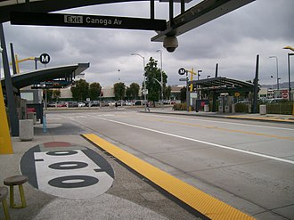 Orange Line (Los Angeles Metro) - Image: Lacmta orange line canoga station