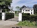 Landgoed Loenen Rijksmonument 520766 hoofdgebouw en 520771 koetshuis.JPG