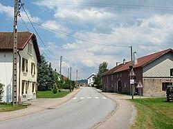 Les Poulières (88) centre.jpg