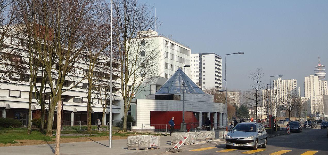 Station Mairie de Mons de la ligne 2 du métro de Lille Métropole.