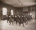 Linggymnastik Gymnastiska Centralinstitutet Stockholm ca 1900 0107.jpg