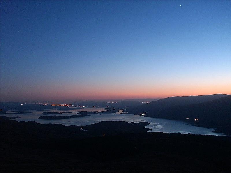 File:Loch Lomond - panoramio - SteveMi.jpg
