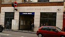 London bridge tube station.jpg