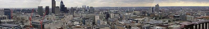 Vista panorámica de Londres desde la Galería dorada de la catedral