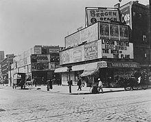 Longacre Square, New York City, 1898 (No. 3).jpg