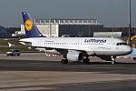 Lufthansa, D-AIBJ, Airbus A319-112 (15834467944) (2).jpg