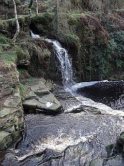 Lumb Hole, Crimsworth Dean - geograph.org.uk - 1083207