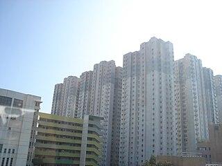 筆者覺得「瓏門」這個名稱之所以很有問題,原因是同區早已有一個以「龍門」命名的住宅項目——「龍門居」。 (圖片:Fongkeilai@Wikimedia)