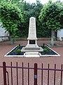 Lussault-sur-Loire (Indre-et-Loire) Monument aux morts.JPG