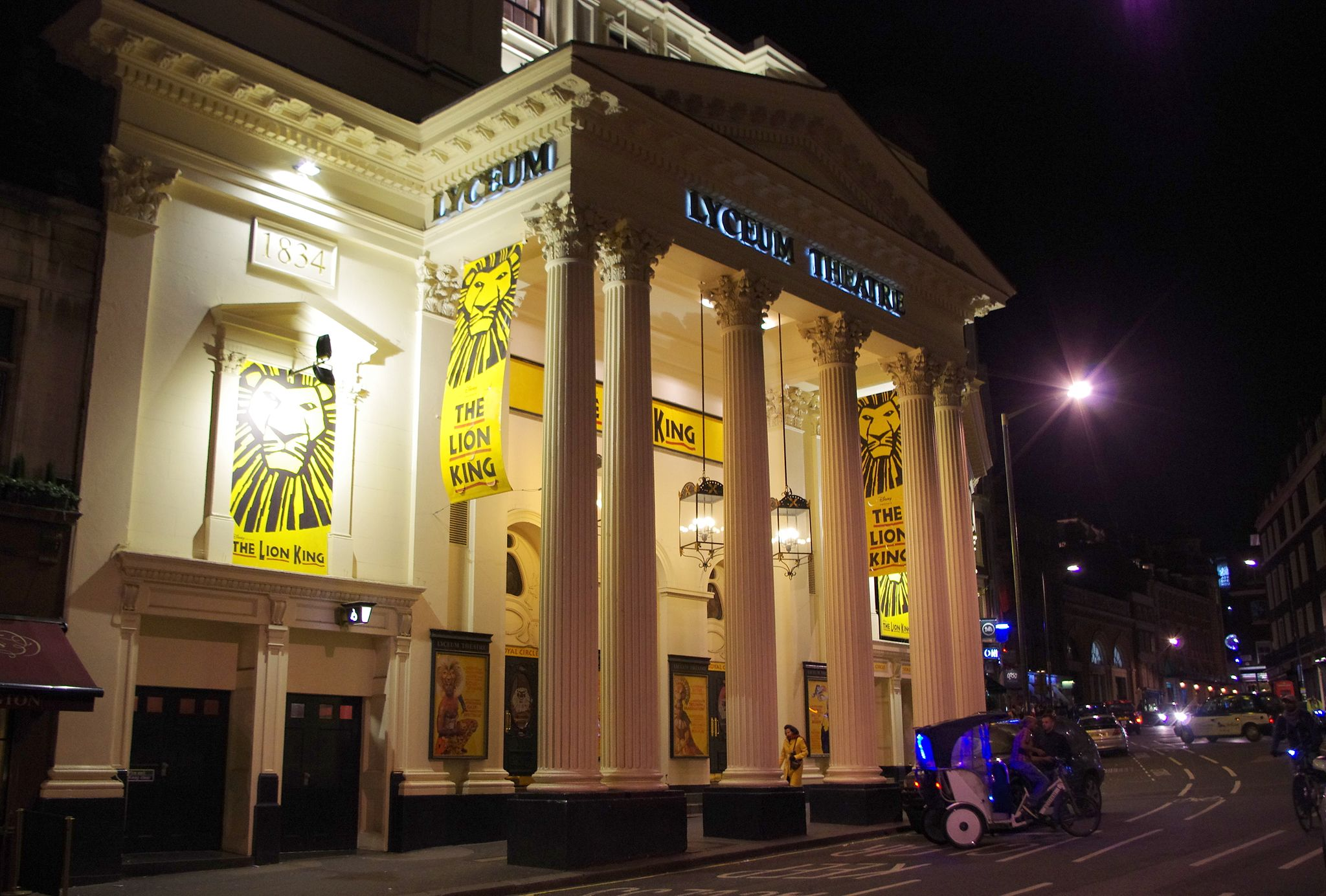 LyceumTheatre-bynight