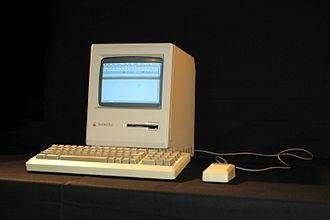 Macintosh Plus - Image: Mac Intosh Plus img 1317