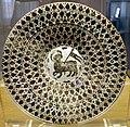 Manises, piatto in maiolica lustrata con agnus dei, 1450-1500 ca. 01.jpg