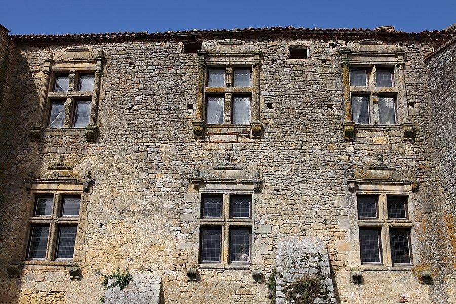 Façade postérieure du manoir de Vaux, Haute-Garonne, France.