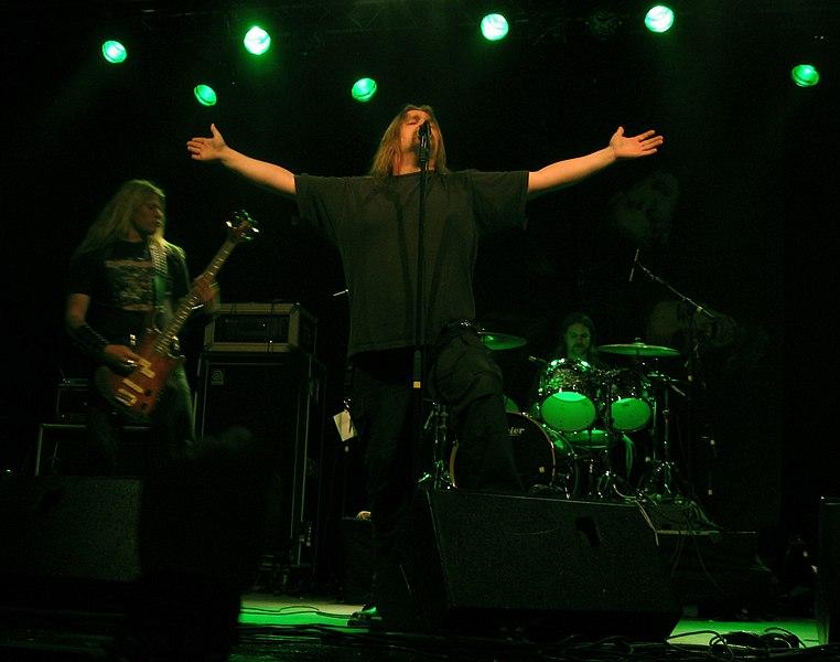 File:Matti kärki dismember trastockfestivalen2005.jpg