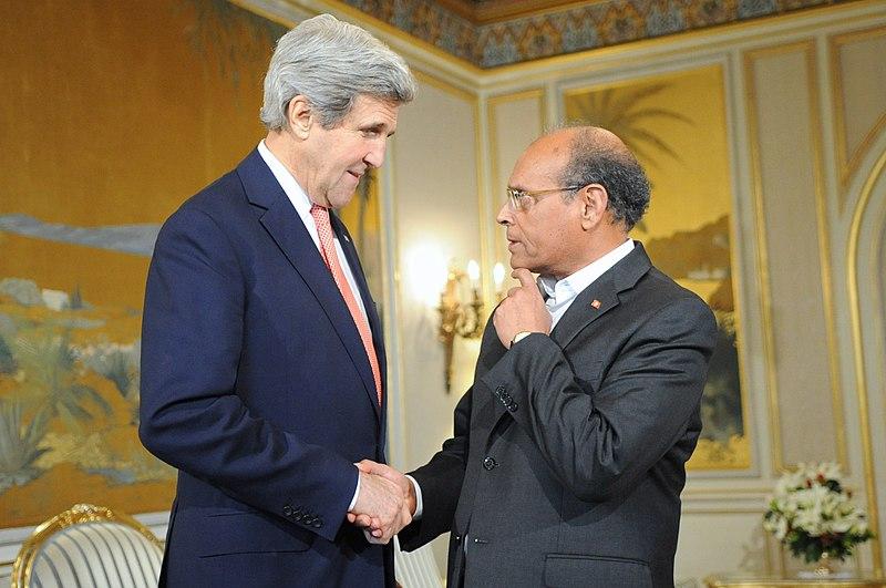 ملف:Mazouki and Kerry.jpg