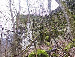 Скелясті схили біля гори богит