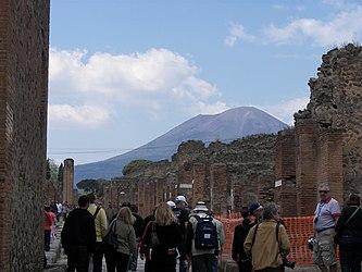 Mount Vesuvius from Pompeii 2.jpg