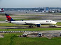 N821NW - A333 - Delta Air Lines