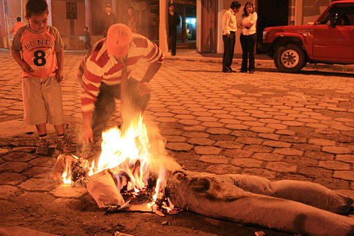 NYE-burning viejo in Ecuador