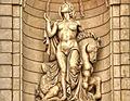 Nakedwomanstatue (8023374291).jpg