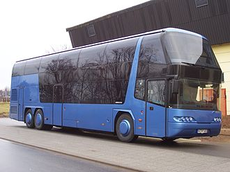 Multi-axle bus - A tri axle coach, the Neoplan Skyliner