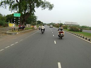 English: NH-5 Near Mangalagiri, Guntur Distric...