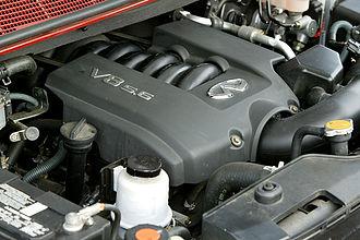 Nissan VK engine - Image: Nissan VK56DE 001
