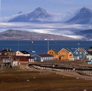 Geography of Svalbard - Ny-Ålesund in summer.