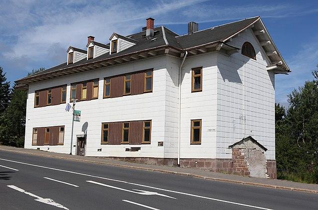 640px-Oberhof-Jagdschloss.jpg