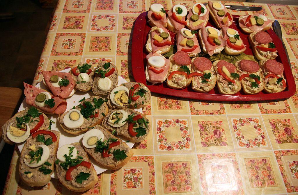 Obložené chlebíčky, les sandwichs canapés tchèques.