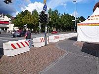 Oldenburg Stadtfest Betonblöcke 01.JPG