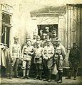 Pavel Kunaver med sovojaki 1918.jpg