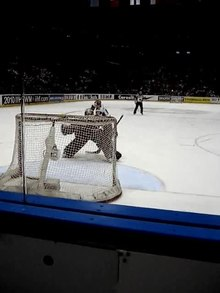 Файл:Penalty shot (ice hockey).ogv