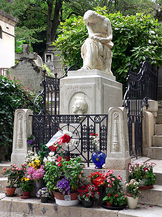 Auguste Clésinger - Euterpe, muse of Music, funerary monument at the grave of Frédéric Chopin, Père Lachaise Cemetery in Paris, by Auguste Clésinger (1850)