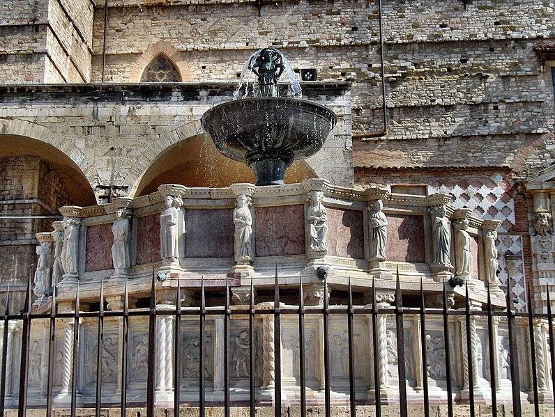 Nicola Pisano 796px-Perugia_018